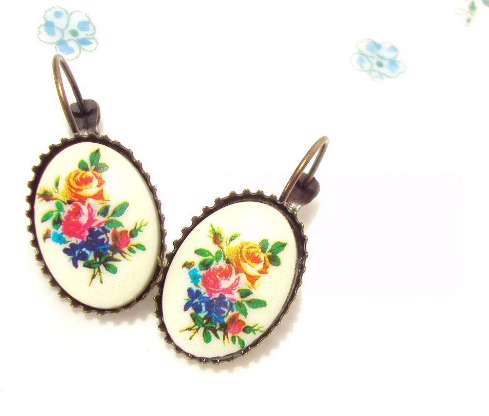 They Call Me Daphne - Vintage Flower Garden Earrings