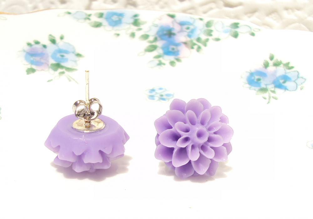 Telling Secrets - Flower Stud Earrings